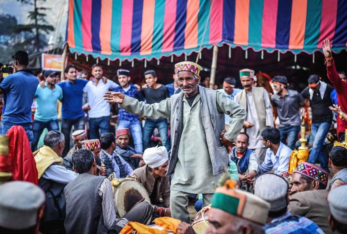 Фестиваль искусств, и ярмарка, где можно купить всё, что пожелаешь. Автор: Shikha Sood.